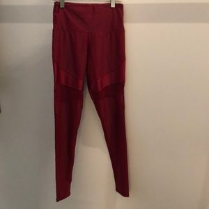 Onzie red legging with mesh, sz S/M, 64247